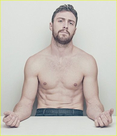 aaron-taylor-johnson-shirtless-ny-mag-01
